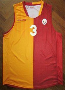 Galatasaray 2015 – 2016 home jersey