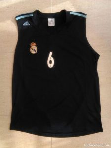 Real Madrid 2004-2005 away jersey