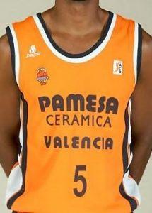 Pamesa Valencia Basket 2005-2006 home jersey