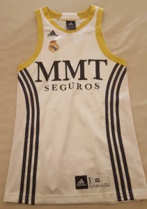 Real Madrid 2009 – 2010 Home kit