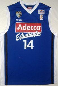Adecco Estudiantes 2003 – 2004 Home kit