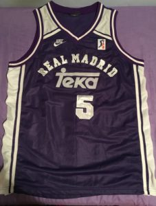 Real Madrid 1995 – 1996 away kit