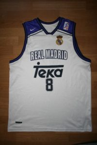 Real Madrid 1998-99 Home kit