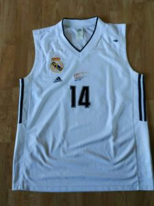 Real Madrid 2001 – 2002 Home kit