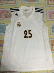 Real Madrid 2004 – 2005 Home kit
