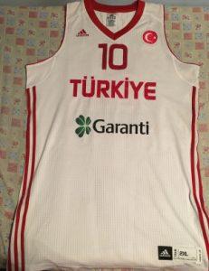 Turkey 2009 – 2010 away kit