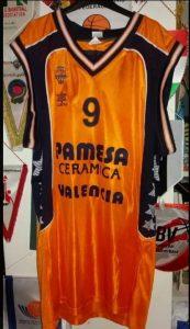 PAMESA Valencia Basket 2001 – 2002 Home kit