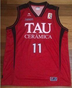 TAU Vitoria 2007 -08 red kit