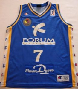 Forum Valladolid 2001 -02 Home jersey