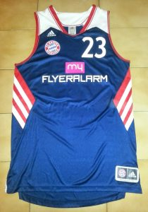 Bayern Munich 2013 -14 alternate kit