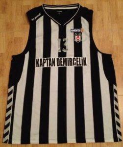 Besiktas 2012 -13 alternate jersey