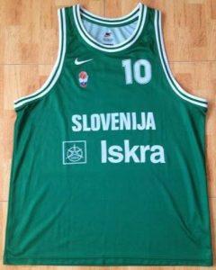 Slovenia 1998 -99 Home kit