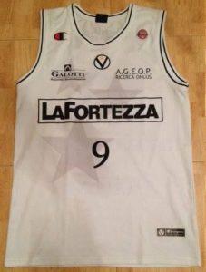 Virtus Bologna 2007 -08 Home jersey